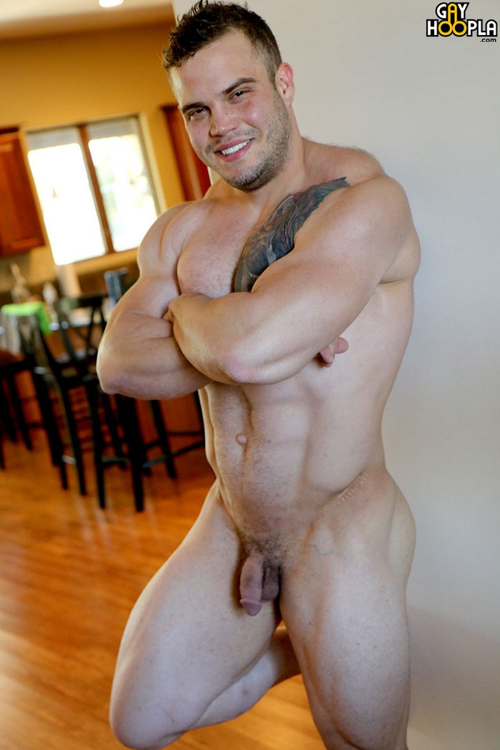 gay muscle bodybuilder porn