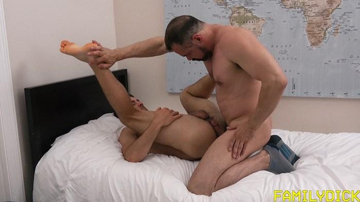 Dante Colle Gay Porn Stepdad Max Sargent Bareback Sex FamilyDick DILF