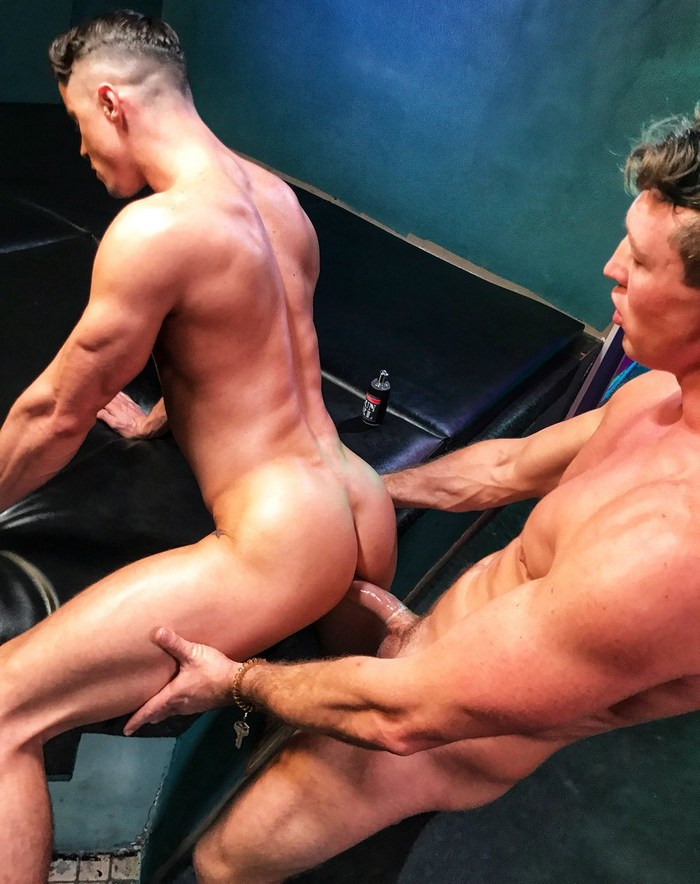 Gay Porn Pierce Paris Skyy Knox