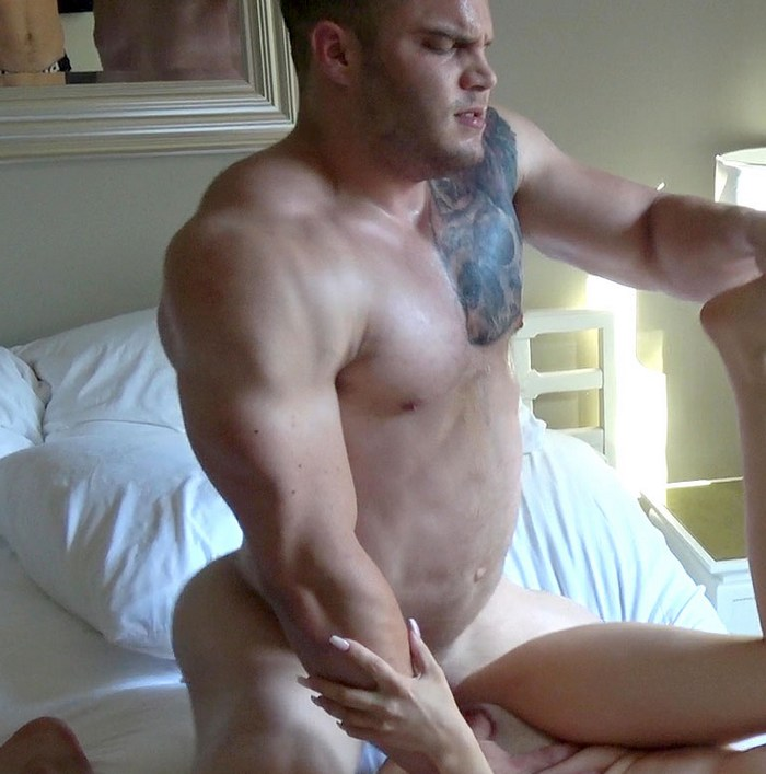 Buck Carter Bodybuilder Muscle Hunk Straight Porn HotGuysFuck