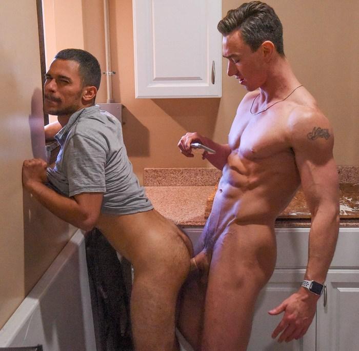 Cade Maddox Gay Porn Gaberial Isaacs Dudes In Public