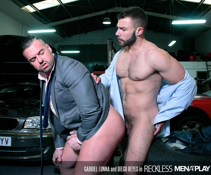 Diego Reyes Gay Porn Gabriel Lunna Bodybuilder Muscle Bottom Suit
