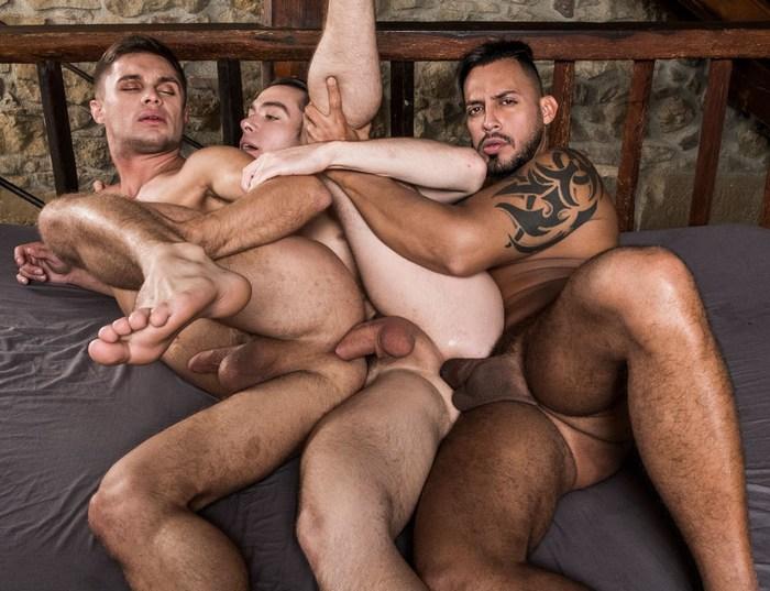 Gay Porn Klim Gromov Viktor Rom Jon Bae Train Fuck Bareback Sex