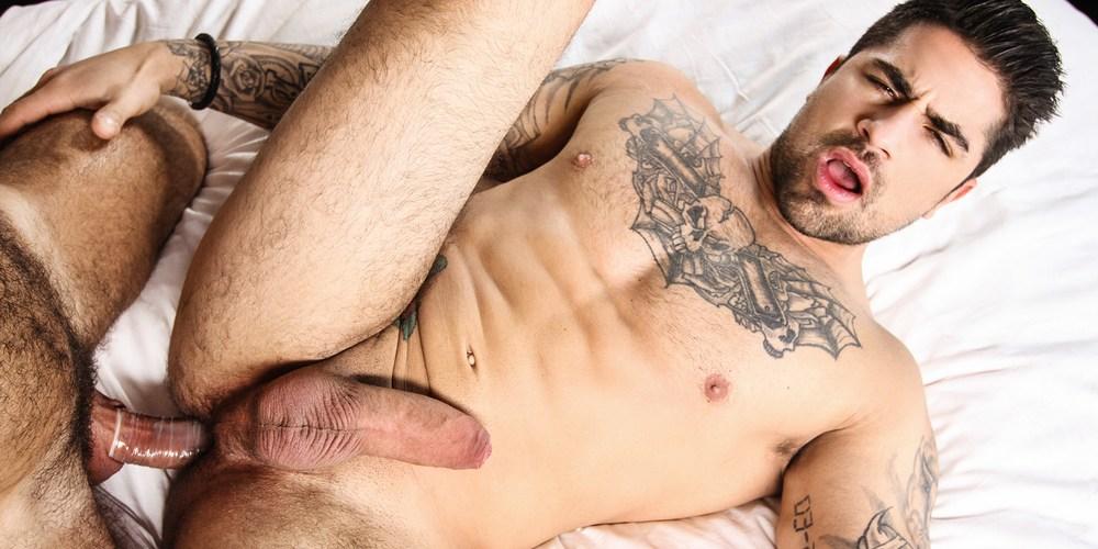Ryan Bones s gay porn star profile