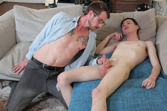 FamilyDick Gay Porn My Big Strong Guardian