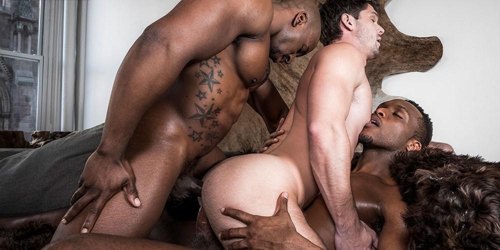 Hung Gay Porn Stars Max Konnor & Andre Donovan Double Penetrate Power  Bottom Devin Franco Bareback
