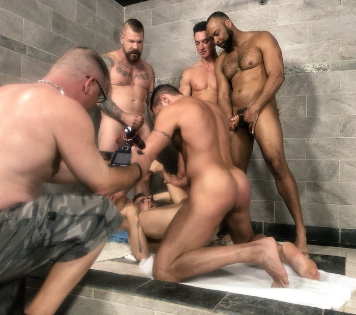 Dragon médias porno gay