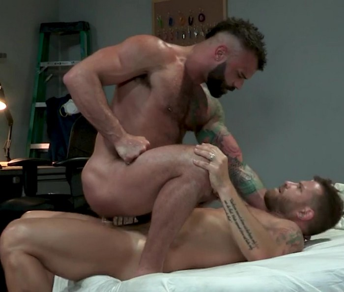 Drake Masters Gay Porn Riley Mitchel Muscle Bottom Hairy Hunk THE SUPER