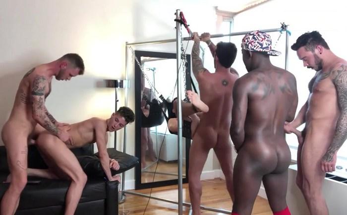 Eight man bareback orgy