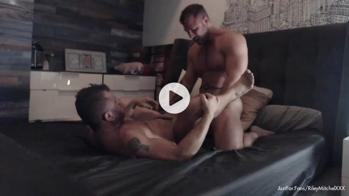Riley Mitchel Gay Porn Muscle Daddy Bottom JustForFans
