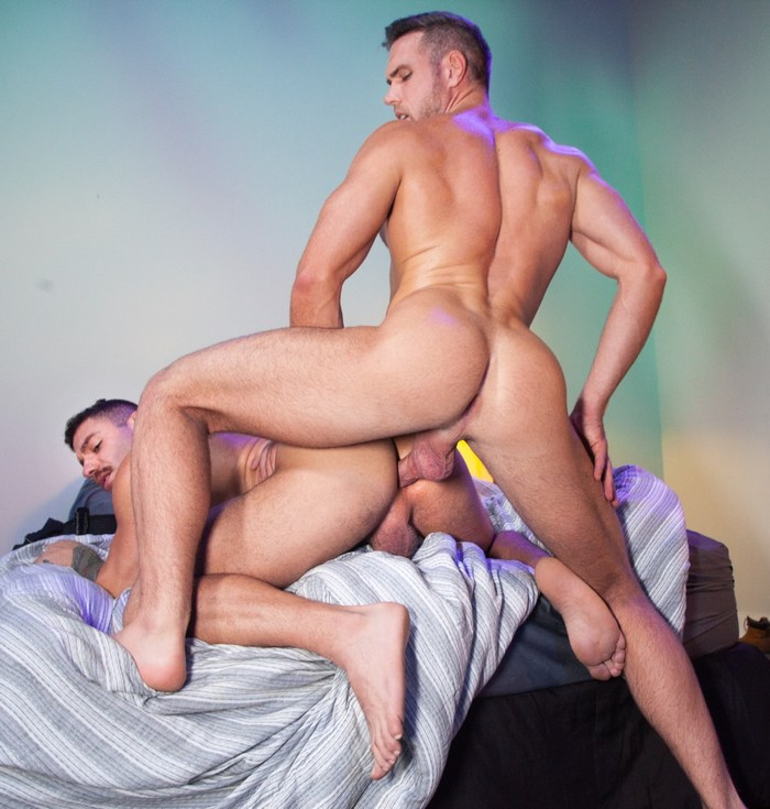 Alex Mecum Gay Porn Eddy CeeTee Bareback Sex Butt Fuck Bounty Hunters