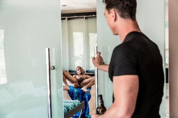 Gay Porn Cade Maddox Fucks Zario Travezz Interracial Sex