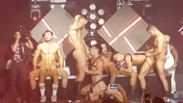 Gay porn stars fuck on stage
