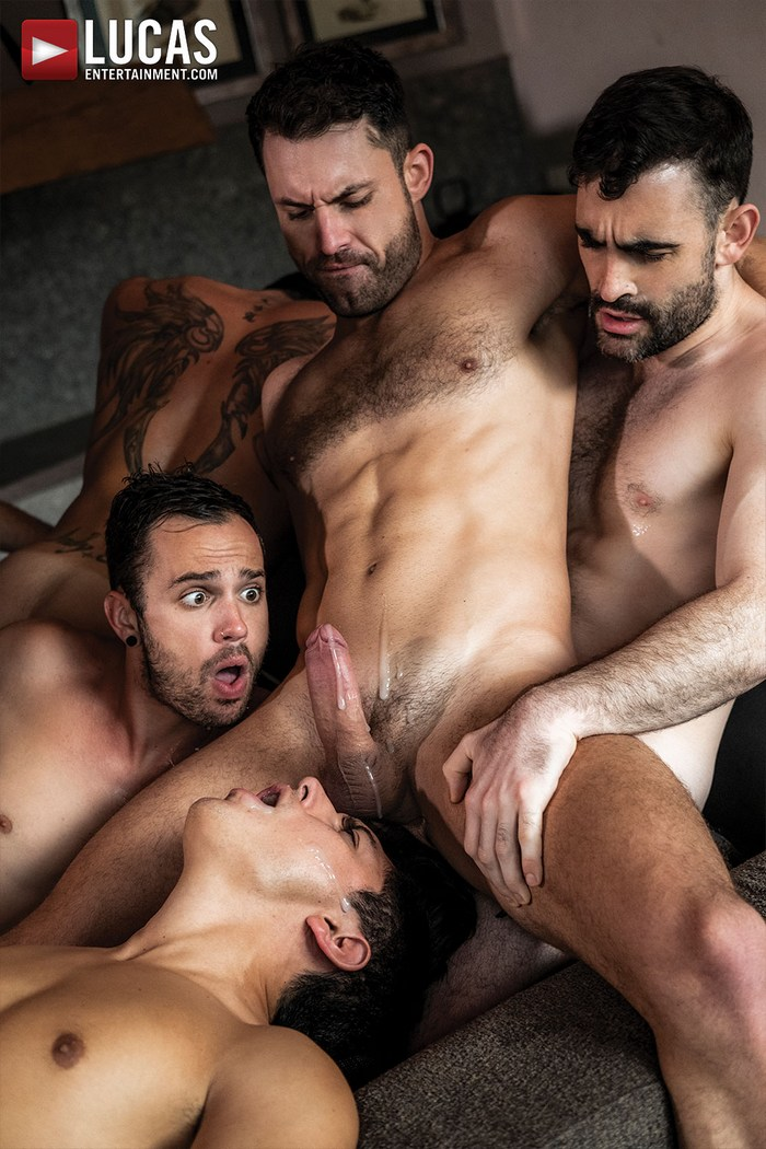11 Gay Porn Stars Fuck  Get Fucked In This Bareback Orgy-3206