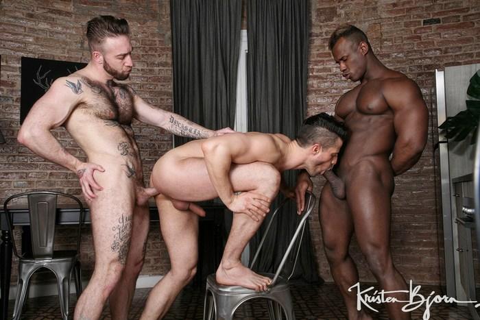 Gay Porn Ridder Rivera Kris de Fabio Manuel Scalco Muscle Hunk Bareback Sex KristenBjorn