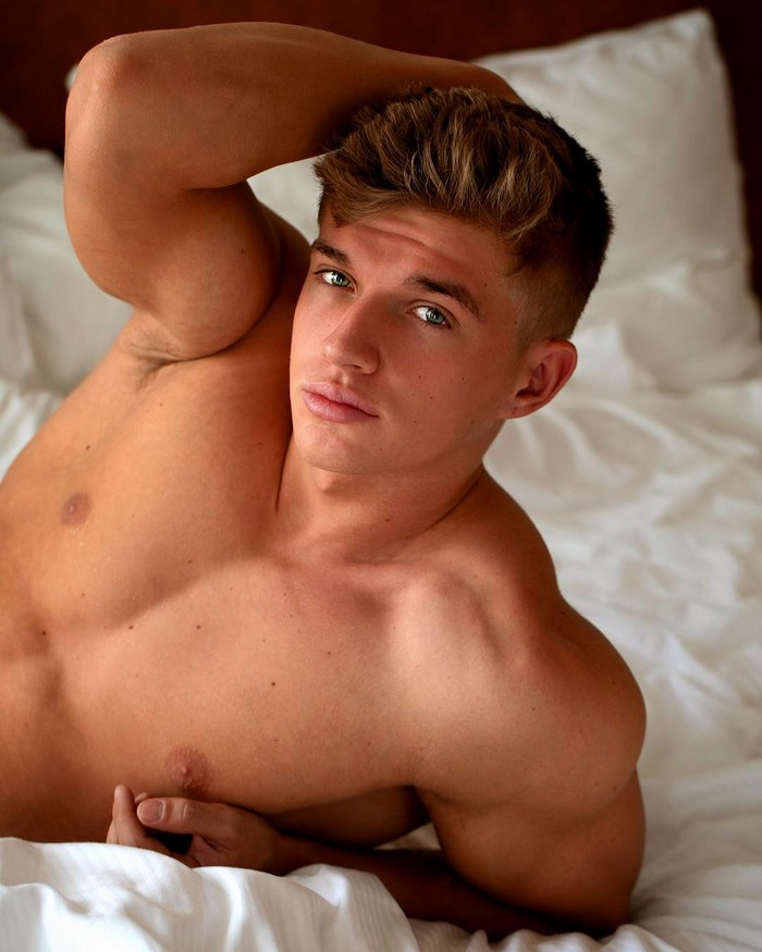 Paul Cassidy BelAmi Gay Porn Star Shirtless Muscle Hunk