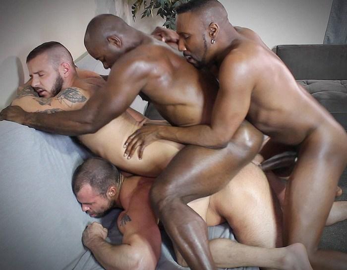 Gay Porn Bareback Orgy Interracial Muscle Hunk Aaron Trainer Sean Harding Jaxx Thanatos JD Daniels