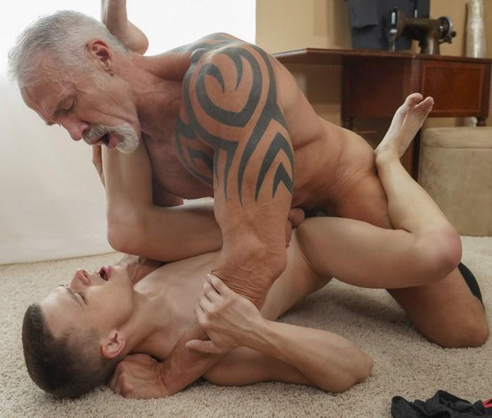 Dallas Steele Gay Porn Austin Armstrong FunSizeBoys