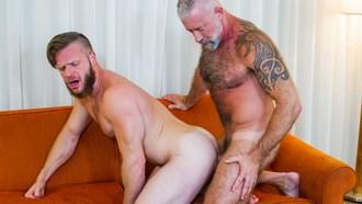 Gay Porn Lance Charger Fucks Brian Bonds